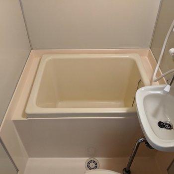浴槽につかることもできます。