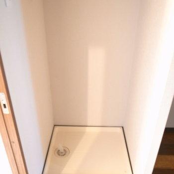 洗濯機の場所は、脱衣所ではなくLDKです。