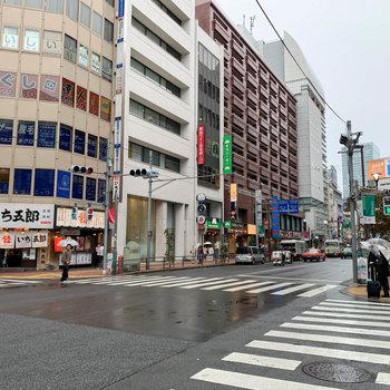 新宿の西エリアは飲食店が豊富なのです。