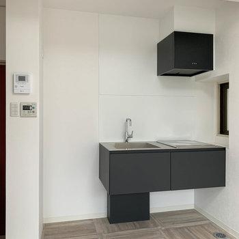 キッチンはシュッとしたデザイン。