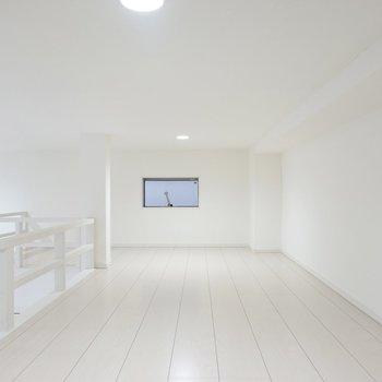 左側は寝室にするのがオススメ。窓があって換気できるのが健康面にも嬉しいところ!