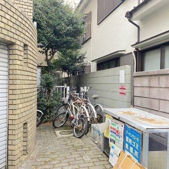 駐輪場がありますよ。