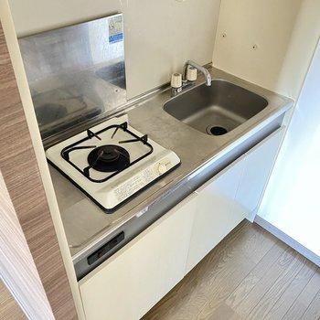 キッチンは隠れているからお部屋もすっきりと見えます◯