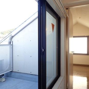 上の階】こうして見通すと、屋根のかたちがはっきりわかります。