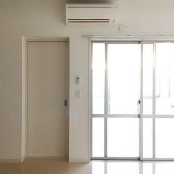 1階ですが、採光もばっちり。※写真は1階同間取り・別部屋のものです。