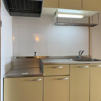 キッチンとLDKは繋がっています(*写真は別部屋のものになります)