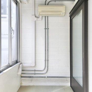 エアコンが設置されているので、室温調節も可能。