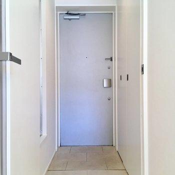玄関がフラットになっていて、開放感があります。※写真は前回募集時のものです
