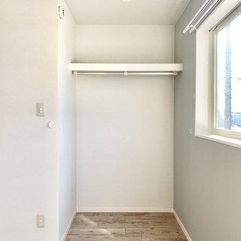 収納スペースはオープンタイプですよ。(※写真は清掃前のものです)