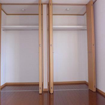 洋室には大きなクローゼット!(※写真は3階の似た間取り角部屋のものです)
