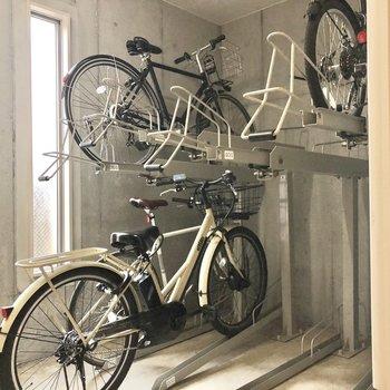 自転車は雨に濡れることはありません。