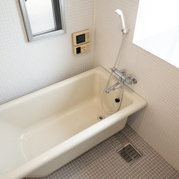 浴室にはテレビもついていますよ!