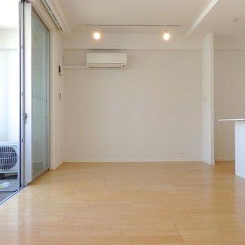 少しリビングは狭いかも。※写真は6階同間取り・別部屋のものです。