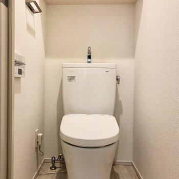 トイレには温水洗浄機能も付いているんです!