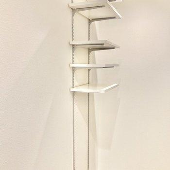 シューズラックは高さが可動式で自由に調整できます。