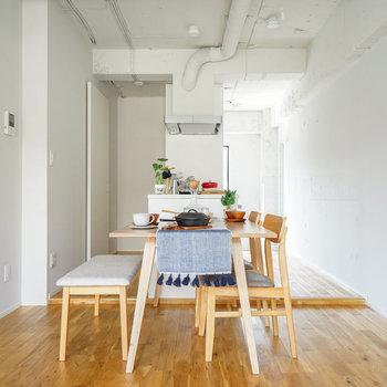 天井も抜いています!※写真は1階反転間取り、別部屋のもの。家具はイメージです