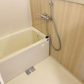 浴槽は既存利用になります。※同間取り別部屋の写真になります。