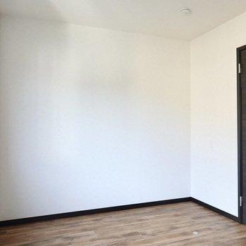 こちらは寝室にするのがオススメです。