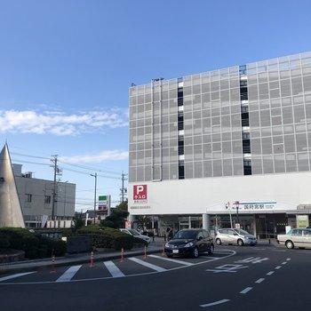 最寄り駅は名鉄名古屋本線の「国府宮」。