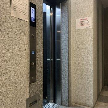 エレベーターで家具の運び入れもらくらく。