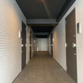 共用廊下は綺麗に利用されています。