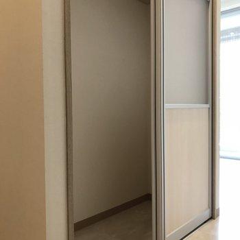 お部屋のゴチャゴチャも全部隠せちゃう!(※写真は3階の同間取り別部屋のものです)