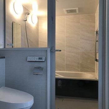 憧れのガラス張りのお風呂(※写真は3階の同間取り別部屋のものです)