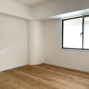 もう1つの5.8帖の洋室は子供部屋や書斎に。