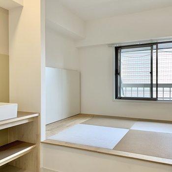 【水回り】なんと小上がりの畳のある空間になっているのです!ランドリースペースとしても使えます。