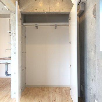 収納が1つ、貴重です※写真は3階の同間取り別部屋のものです