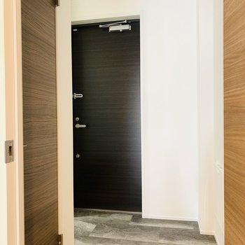 室内最後は玄関スペース。