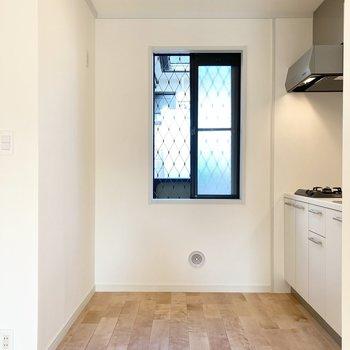 【LDK】キッチンにも窓があります!