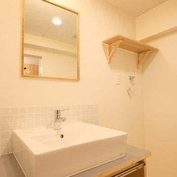 サニタリーもゆったりめ。脱衣所には洗面台、トイレ、洗濯機置き場横1列に。(※写真はイメージです)