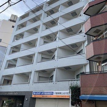 1階はお店になっています。