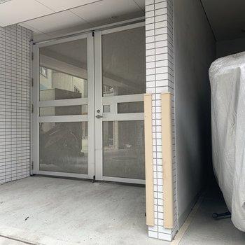 駐輪場も外からは入れないように施錠されていて防犯的に安心です。