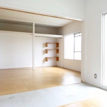 リビングとキッチンを遮るのは土間!(※写真は5階の同間取り別部屋のものです)