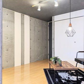 【ダイニング】約8.56帖の広さです。※家具はサンプルです。