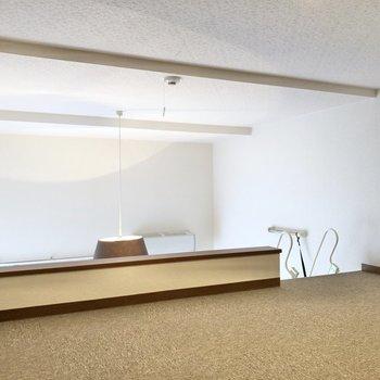 下からの光もしっかり届きます。※写真は1階の反転間取り別部屋のものです