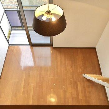 上からは洋室を一望できます。※写真は1階の反転間取り別部屋のものです