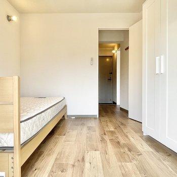 寝室兼収納部屋として使うことになりそう。