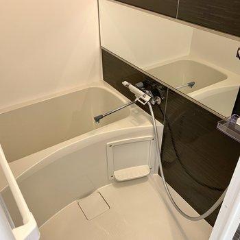 乾燥機付きでシャワーヘッドも大きめののが嬉しい。