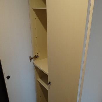シューズボックスも十分サイズ◎ブーツもしまえそう!(※写真は8階の同間取り別部屋、清掃前のものです)
