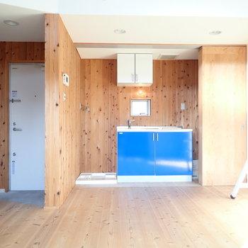 ブルーのキッチンは、
