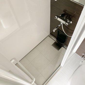 簡単なシャワールームでした〇 ササっと済ませましょう。