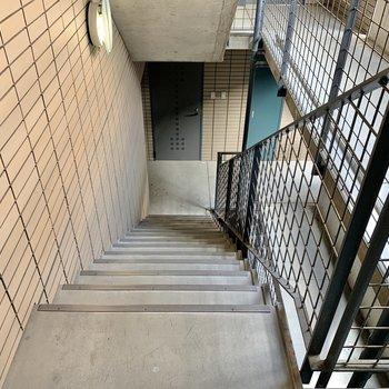 お部屋までは階段です。がんばりましょう~!
