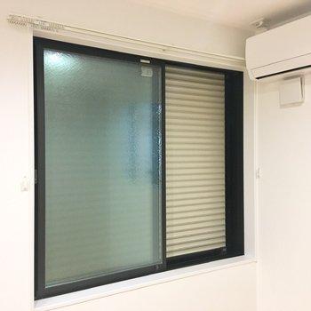 雨戸が設置されているので、セキュリティ面の安心感が得られます。