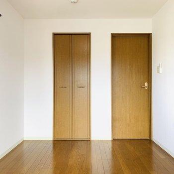 こちらは夫婦の寝室にどうでしょうか。(※写真は3階の同間取り別部屋のものです)