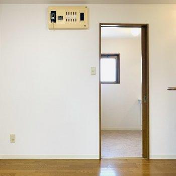 LDKのお隣のユーティリティーへ。(※写真は3階の同間取り別部屋のものです)