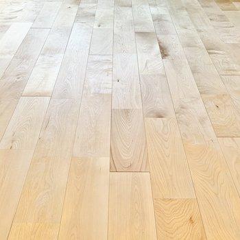 おすすめポイントの無垢床!
