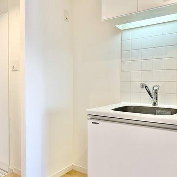 冷蔵庫置き場は確保されてますよ。